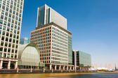 Modern office blocks in Canary Wharf in London — Stock Photo