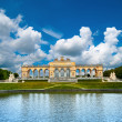 Schoenbrunn Palace in Vienna — Stock Photo #33394491