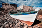 Abandoned fishermen boat — Stock Photo