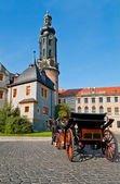 Horse carriage in front of Weimar castle — Stock Photo