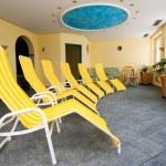 Solarium room in ski resort in Austrian Alps — Stock Photo