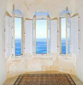 Bay window with view over Mediterranean Sea. Sliema, Malta — Stock Photo