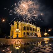 Fireworks over Prague Opera House — Foto de Stock