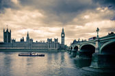 Tinted image of Westminster bridge and London Parlament — Stock fotografie