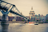 Millenium Bridge and St. Paul in London — Stock Photo