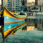 Maltese boat in St. Julian's Bay, Malta — Stock Photo #48942297