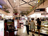 Cosmetic duty free at airport — Stock Photo