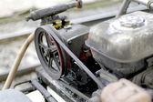 Oude olieachtige vuile machine — Photo