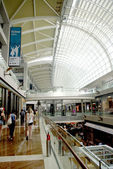 Open space shopping mall, department store atrium — 图库照片