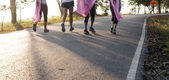 Marathon run for cancer, pink ribbon charity — Stock Photo