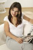 Genç kadın rahatlatıcı — Stok fotoğraf