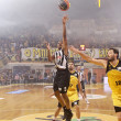 basket league game aris vs paok — Stock Photo