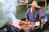 Floating markets in Damnoen Saduak, Thailand — Stock Photo