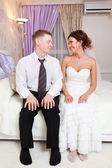 新婚夫妇在酒店 — 图库照片