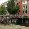 Amsterdam canal and bikes — Foto Stock