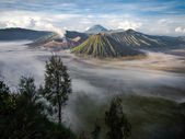 Gunung Bromo, Mount Batok and Gunung Semeru Seen from Mount Penanjakan — Stock Photo