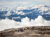 Hikers Walking at the Top of Mount Kinabalu in Sabah, Malaysia — Stock Photo