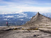 Hiker at the Top of Mount Kinabalu in Sabah, Malaysia — Stock Photo
