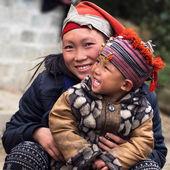 Happy Hmong Woman and Child, Sapa, Vietnam — Stock Photo