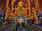 Ancient Buddha Statue at Wat Phanan Choeng, Ayutthaya, Thailand — Stock Photo