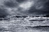 бурный пляж — Стоковое фото