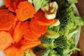 Fresh vegetables - Broccoli Broccoli - Carrots. — Stock Photo