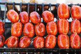 亚洲市场 — — 红香肠中的香肠 — 图库照片