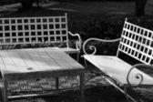 Bänk stol i parken — Stockfoto