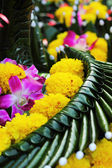 Kratong made from banana leaves and flowers. — Foto Stock
