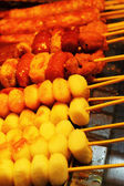 Grilled rice cake at the market - Korean food — Stock Photo