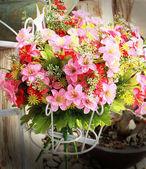 Prachtige daisy van kunstbloemen. — Stockfoto