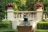 Jardín inglés con la hermosa naturaleza — Foto de Stock