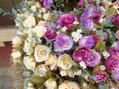 美丽的玫瑰人造花 — 图库照片