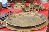 Bowl vintage copper sold in the market. — Stock fotografie