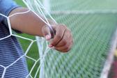 Celem piłka nożna - piłka nożna sieci w ręku — Zdjęcie stockowe