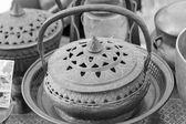 设置的碗老式铜在市场上出售. — 图库照片