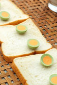 Sliced bread with chocolate green — Stock Photo