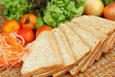 Fresh vegetables salad with whole wheat bread.  — Стоковое фото
