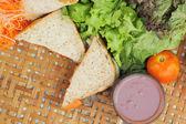 Hot chocolate and tuna sandwich.  — Foto Stock