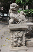Chinese guardian lion. View of Lin Fung Temple — Stock Photo