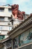 Chinese guardian lion. Lin Kai Temple in Macau — Stock Photo