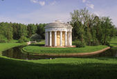 Temple of friendship in Pavlovsk — Stock Photo