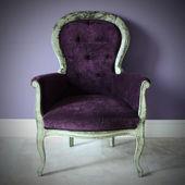 The retro purple chair — Stock Photo