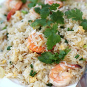 Stir fried rice with shrimp — Stock Photo