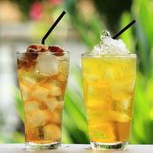 Eau de chrysanthème et eau froide longan — Photo