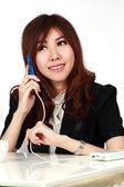 Podnikatelka pomocí mobilního telefonu — Stock fotografie