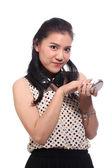 アジアの女性の顔に化粧を適用します。 — ストック写真