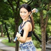 Golfista kobieta przygotowana rezerwować — Zdjęcie stockowe