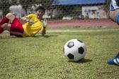 Fußball-Nationalspieler wird kicking — Stockfoto