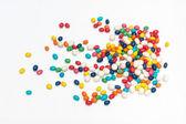 красочные конфеты разбросаны — Стоковое фото